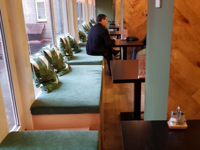 Наша мебель в кафе Пхукет. г.Москва ул.Профсоюзная д 3