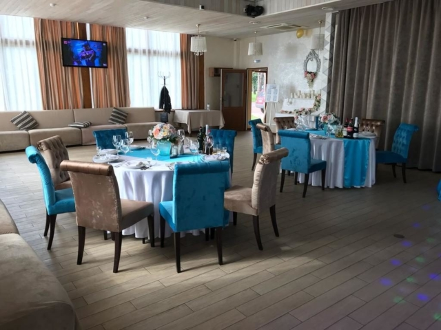 """Наша мебель в ресторане """"Залив"""" в г.Санкт-Петербург"""