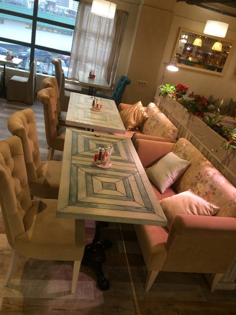 """Наша мебель в ресторанах """"Нияма"""" и """"Пицца-Пи"""" Пятницкое шоссе, 39, ТЦ """"Мандарин"""""""