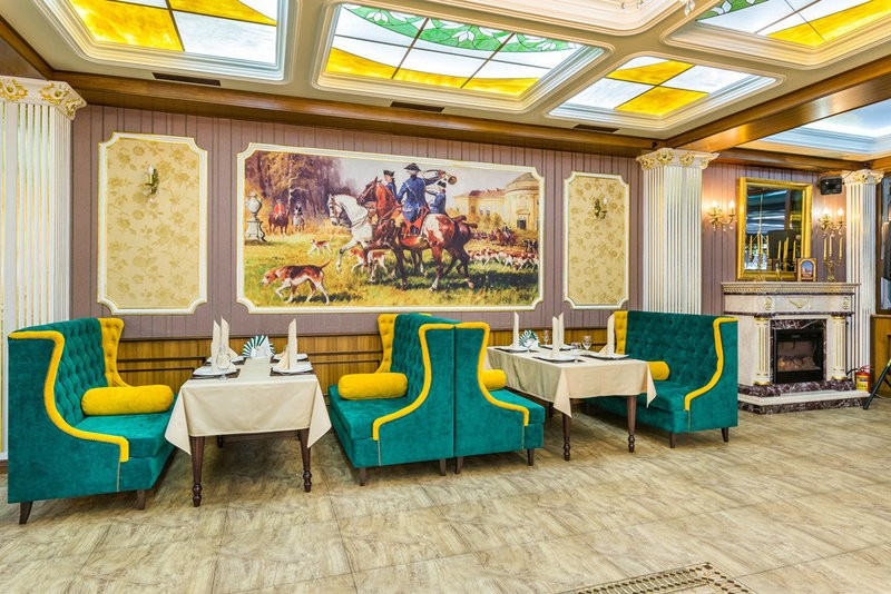 """Наша мебель в ресторане """"Грин Палас"""" г. Москва, Северное Бутово, ул. Грина 15"""