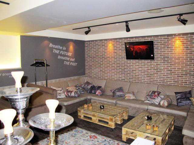 """Наши диваны в """"Кафе Лобио"""" г. Королёв, просп. Космонавтов,12а"""