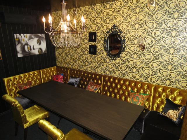 """Наша мебель в кафе-караоке """"Мед"""" г. Чехов, Чехова, 2 ст1"""