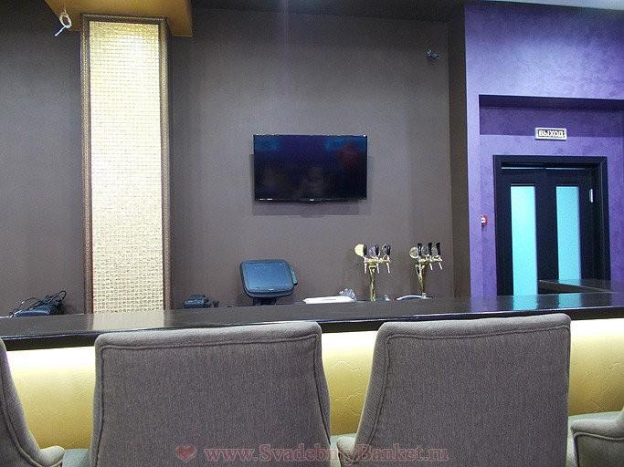 """Наша мебель в караоке баре """"Черный Какаду"""" г. Москва, Зелёный проспект, дом 1а"""