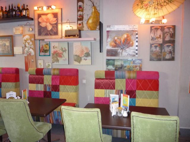 """Наша мебель в кафе """"ЭЙЯ"""""""