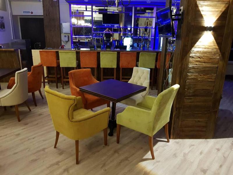 "Наша мебель ресторане ""BIG HOUSE"" г.Самара, ул. Ново-Садовая, 241"