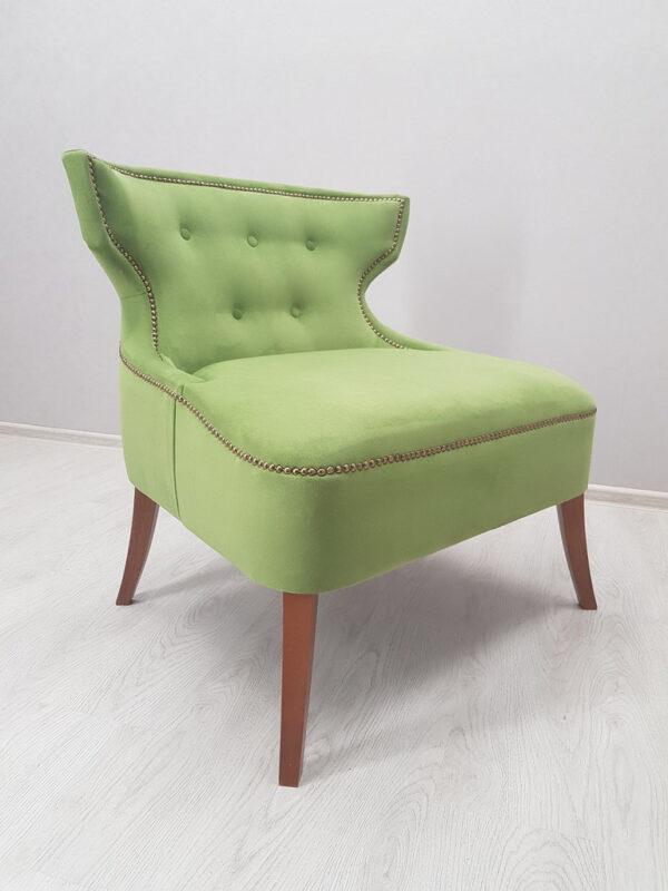 удобное кресло для клуба