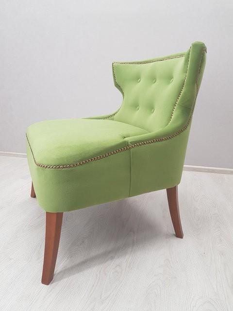 необычное кресло в кафе