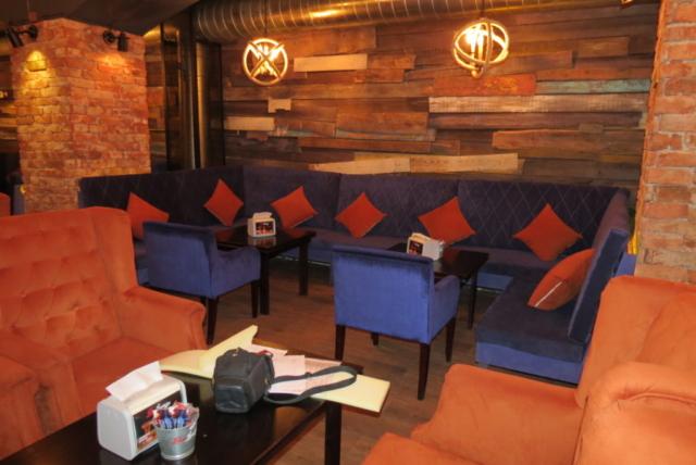 """Наша мебель в кальяной """"Лето Lounge""""  г.Москва, ул. Петровка д.26 стр8"""
