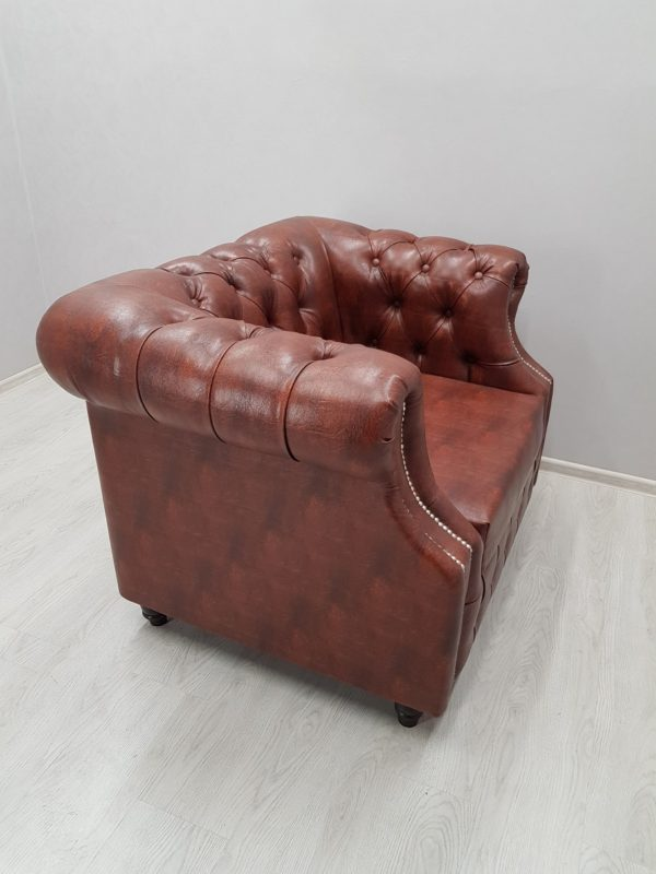 кресло в офис честерфилд