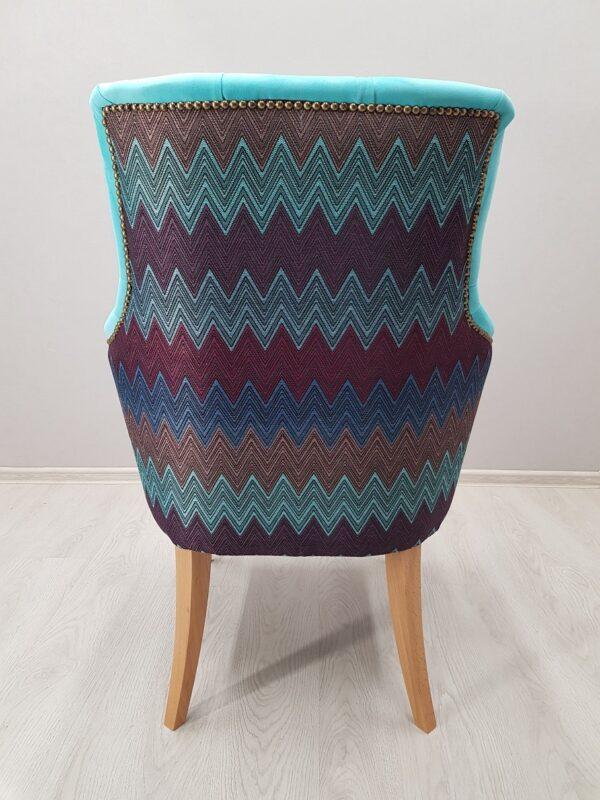 стильное кресло для кафе