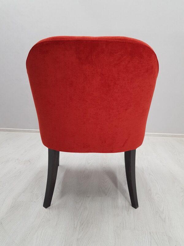 красное кресло для кафе