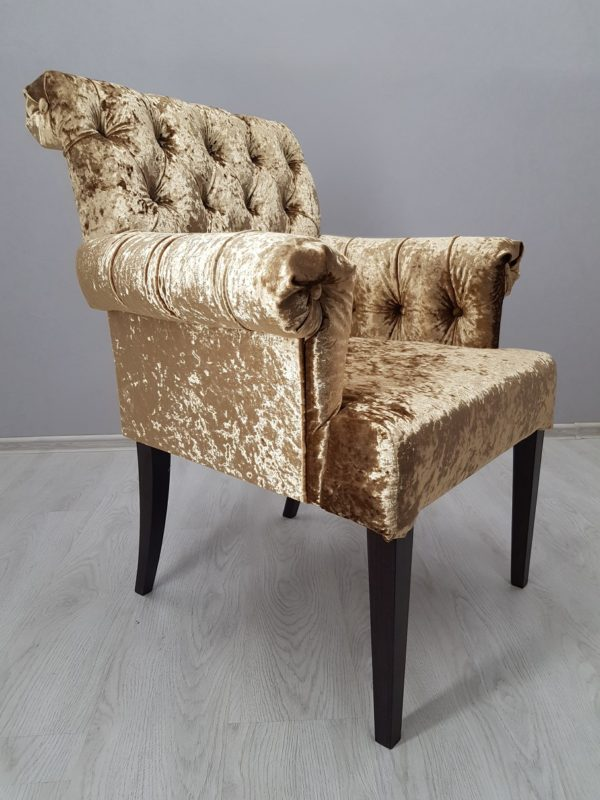 удобное кресло в ресторан
