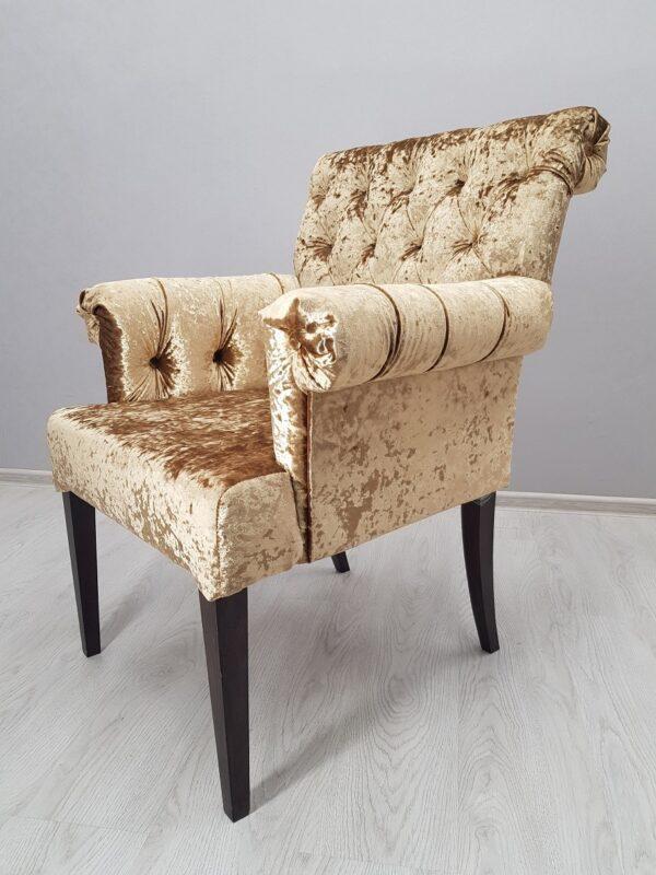 кресло в велюре