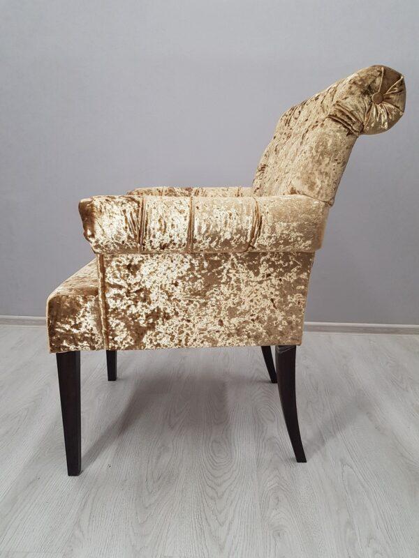 удобное кресло для кафе
