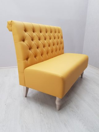 диван каретной стяжкой