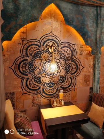 "Наша мебель в ресторанах ""IL Патио"" и ""Шикари"" г. Омск, бульвар Архитекторов д.35 СТЦ ""МЕГА"""