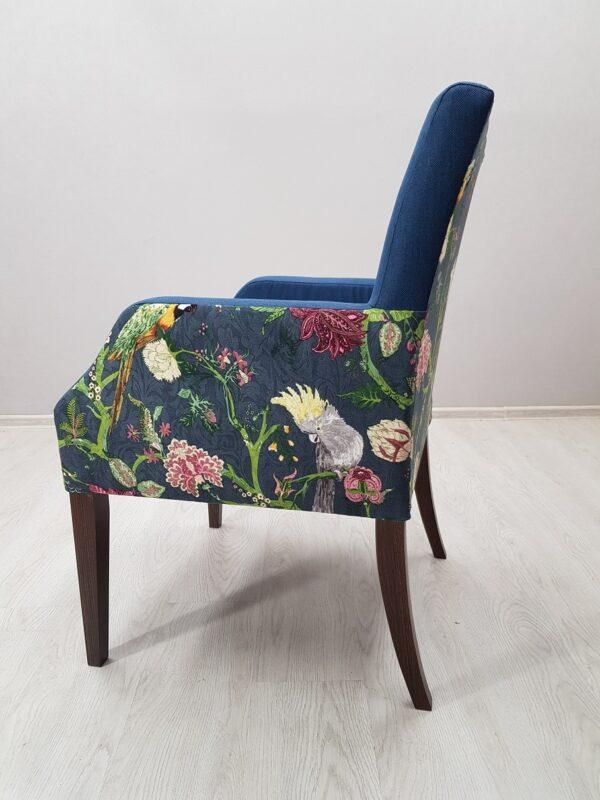 красивое кресло для ресторана