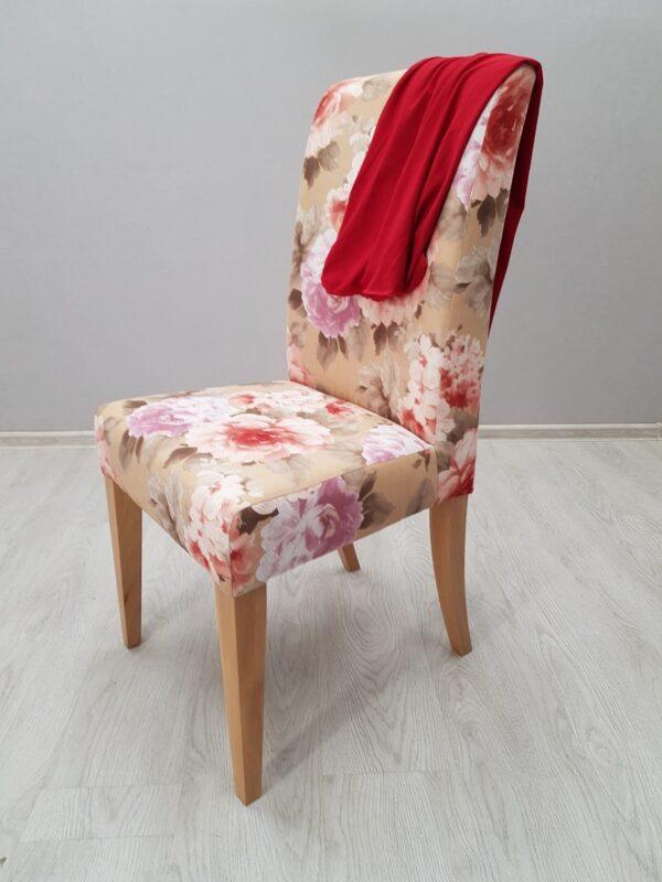 стул с чехлом для кафе