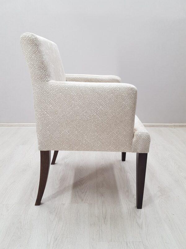 мягкое кресло в ресторан