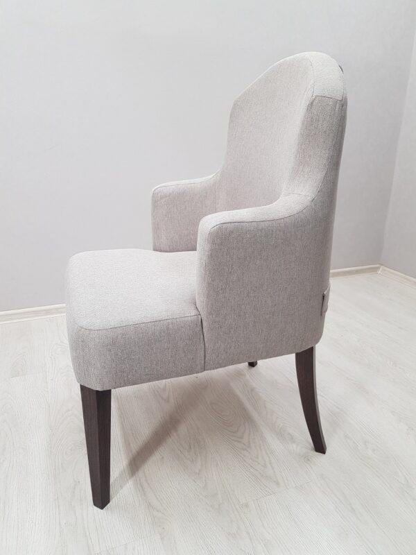 необычное кресло для ресторана