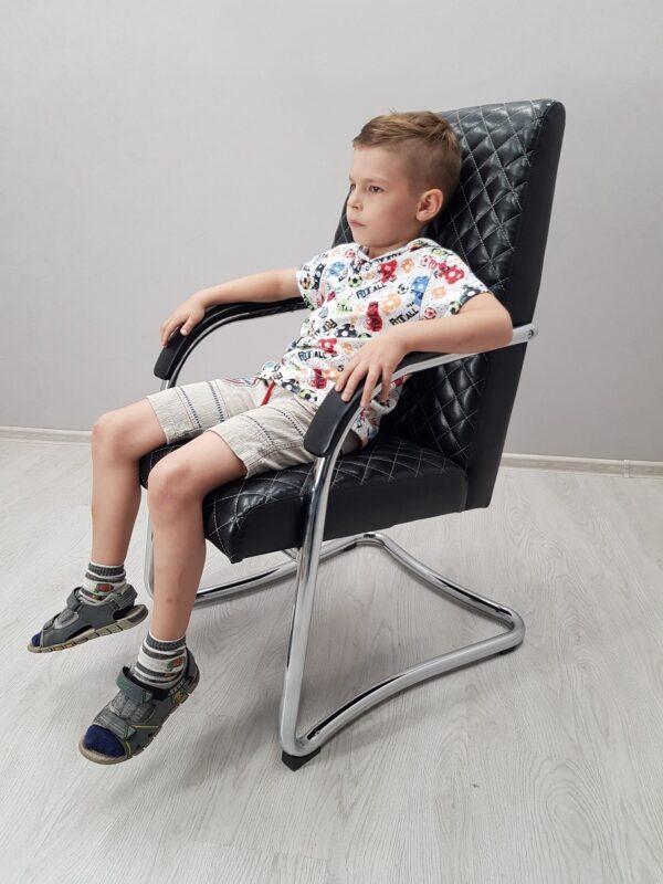 кресло в офис