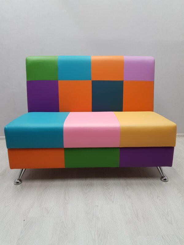 Яркий детский диван