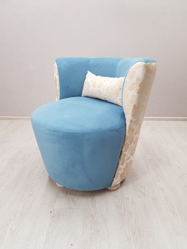 кресло мягкое голубое