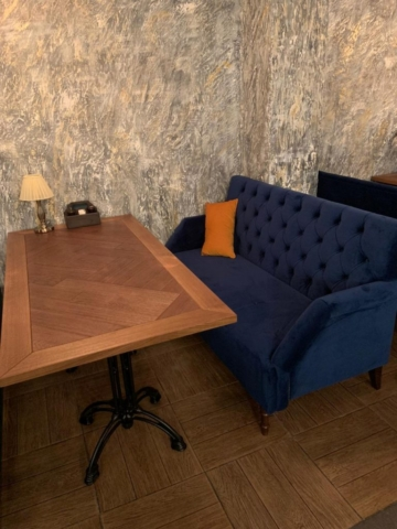 Наша мебель в баре PARALLEL г. Красноярск