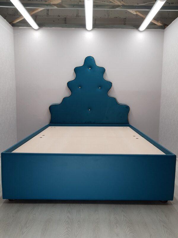 Кровать с мягким изголовьем Александра