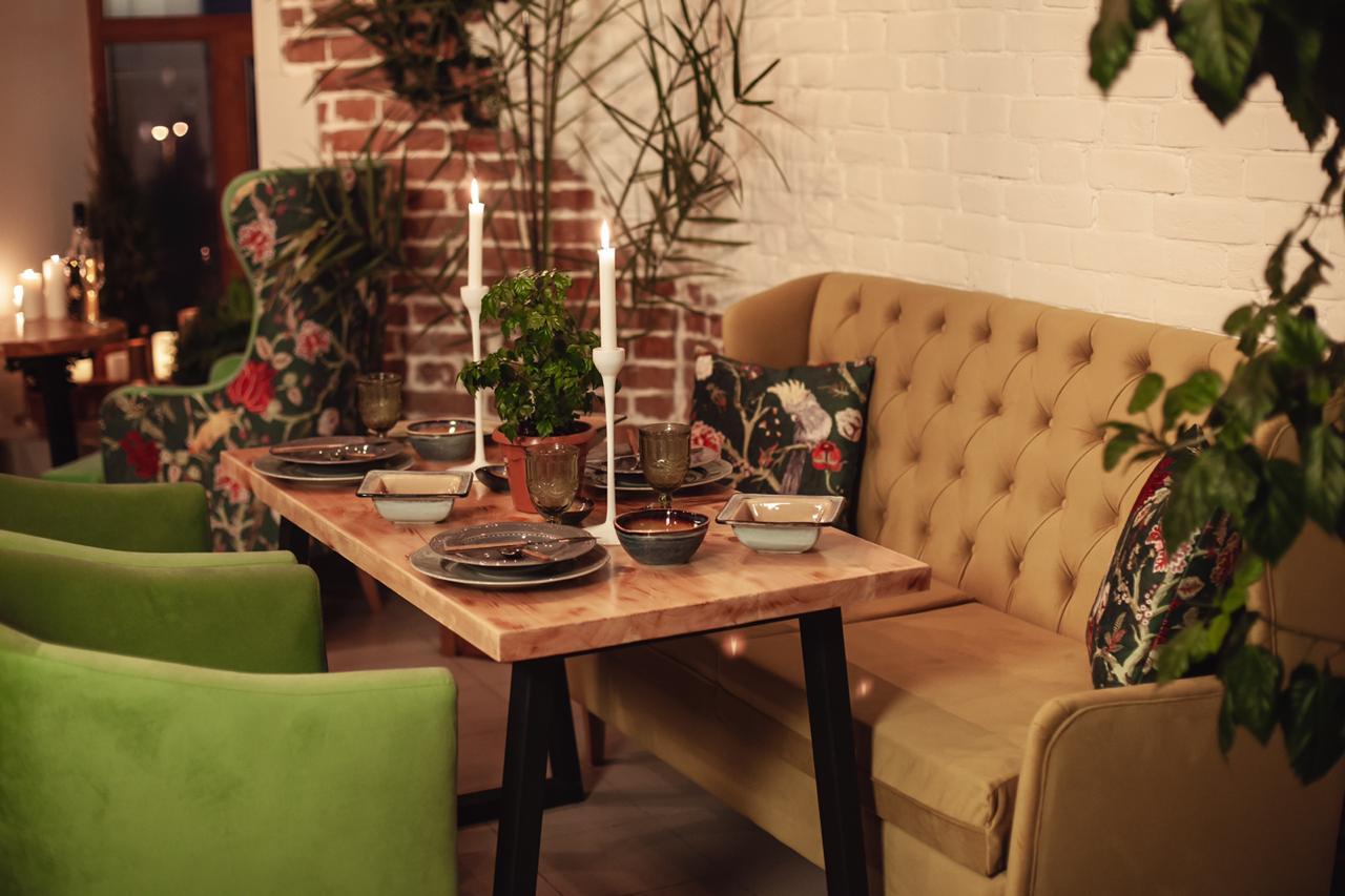 Кресло для ресторанов высокое на заказ