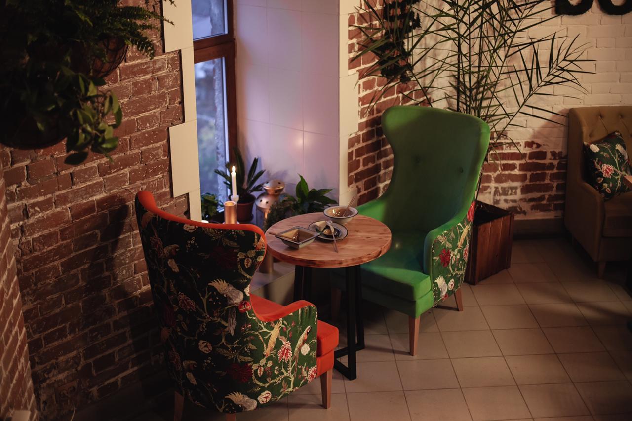 Кресло для кафе высокое
