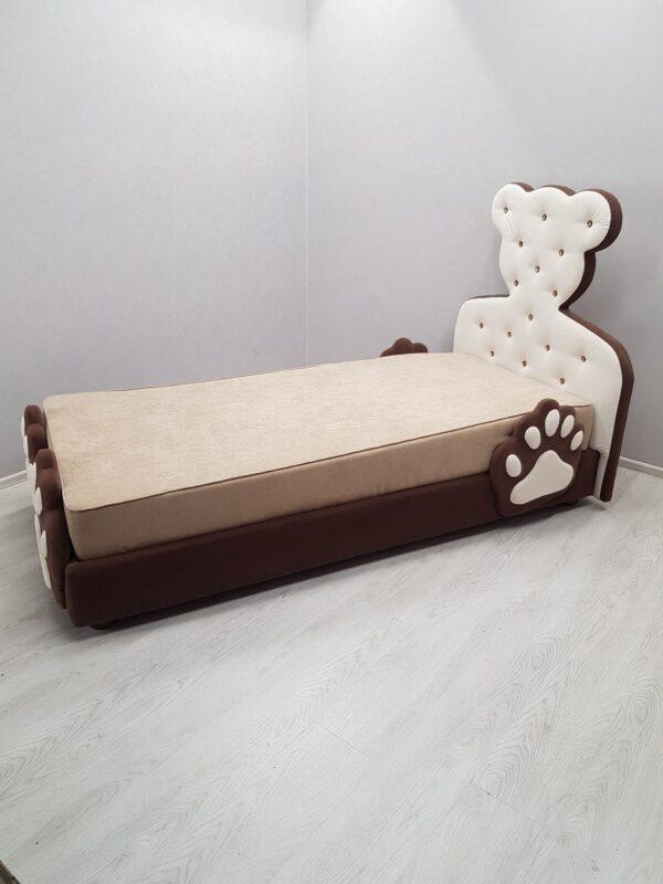 в детской кровать